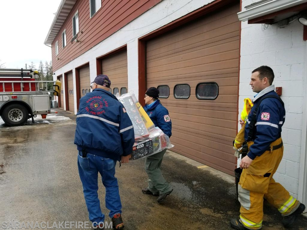 The Bloomingdale VFD held a toy drive also today... Plans for a red light and siren delivery to the SLVFD had to be put on hold as a tractor trailer (milk truck) overturned in Bloomingdales district.  Bloomingdale VFD's successful toy drive gathered lots of presents for the cause.  Due to the their real life call, the SLVFD sent a truck to Bloomingdales station to pick up the toys.  Great Job Bloomingdale-Red Lights and siren next year!!!